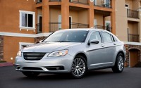 Refreshing or Revolting: 2011 Chrysler 200