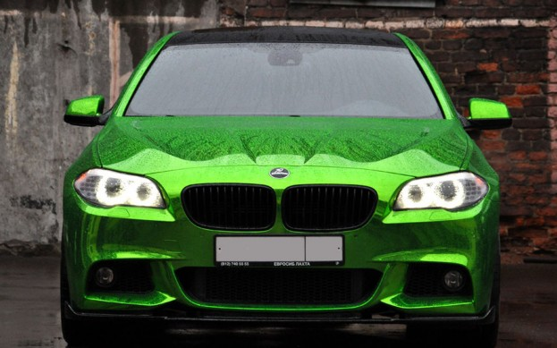 2011 BMW 5 Series Green Chrome front view